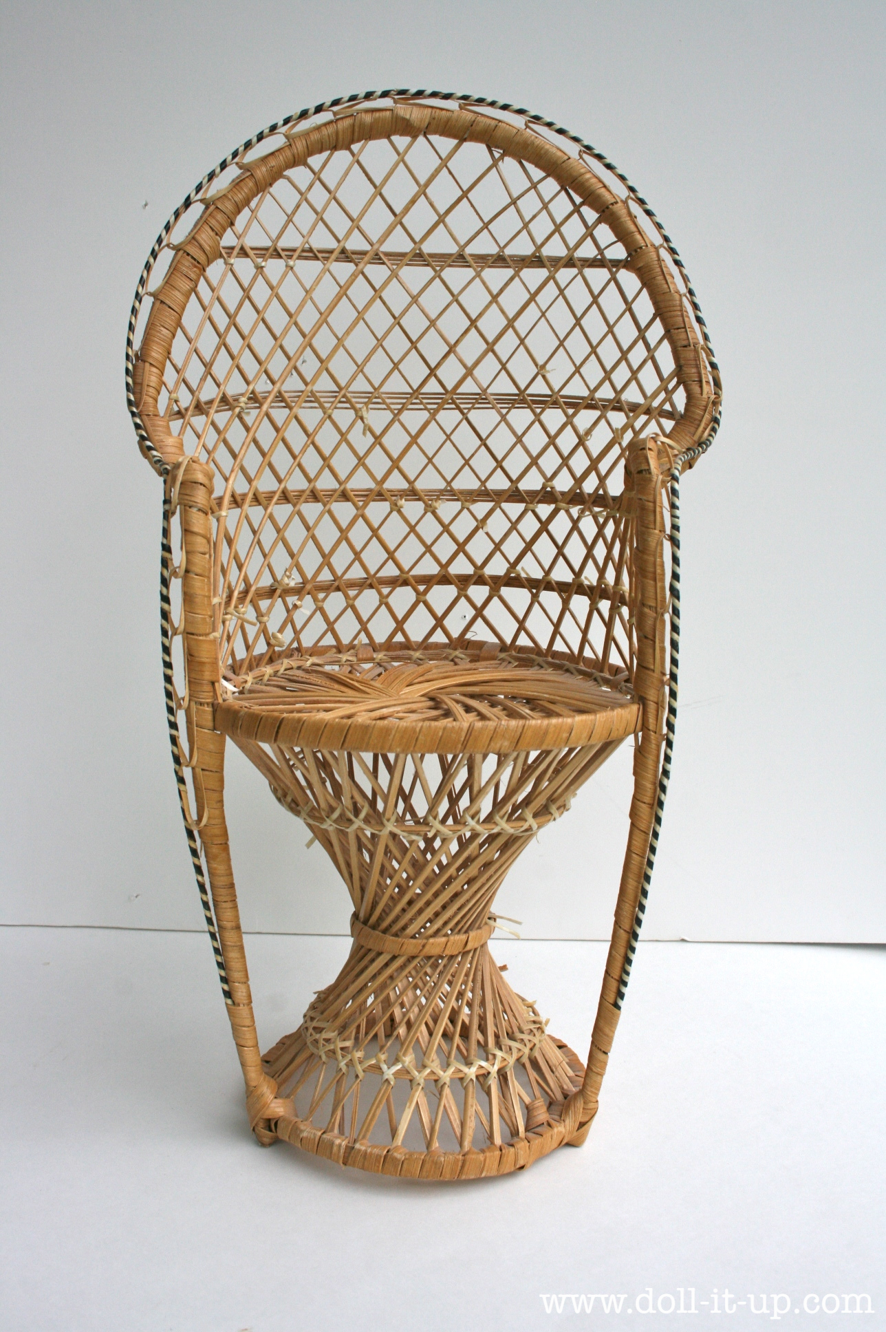 Repurposed Up Cycled One Wicker Chair Into A Wicker Furniture Set
