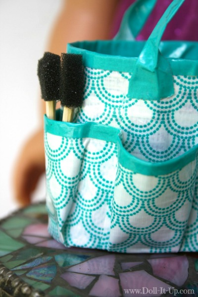 Make a duct tape craft bag for dolls-2