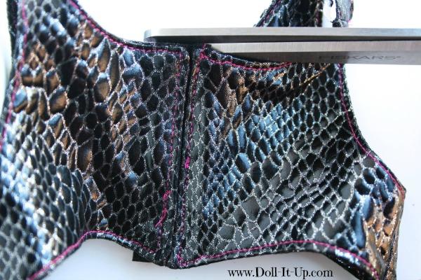 A free vest pattern for dolls-27