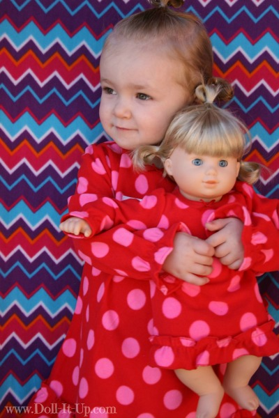 29488238a2 Wearing Matching Clothing with Your Doll {How do you weigh in ...