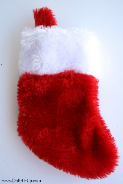 Decorate a stocking for dolls with buttons