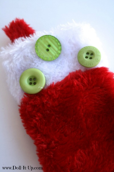 Decorate a stocking with buttons-2