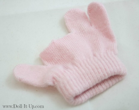 Fingerless gloves for dolls-1