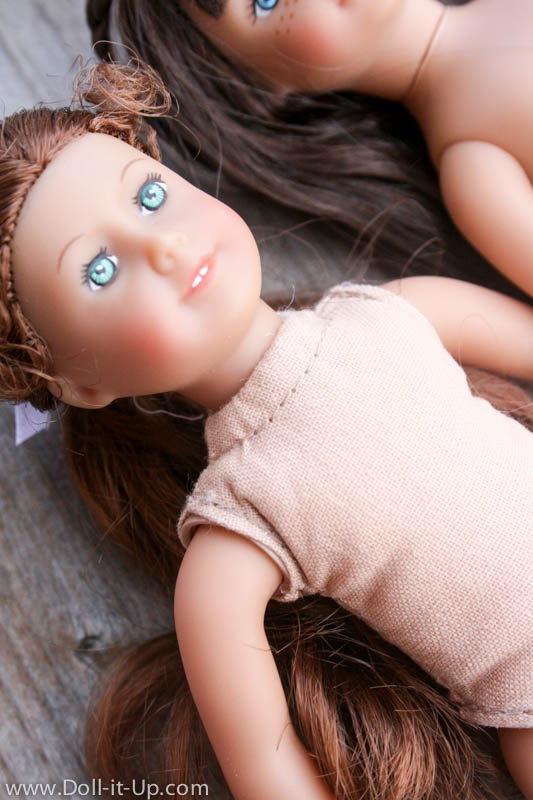 American Girl Mini Dolls-Comparing the old and new dolls-3