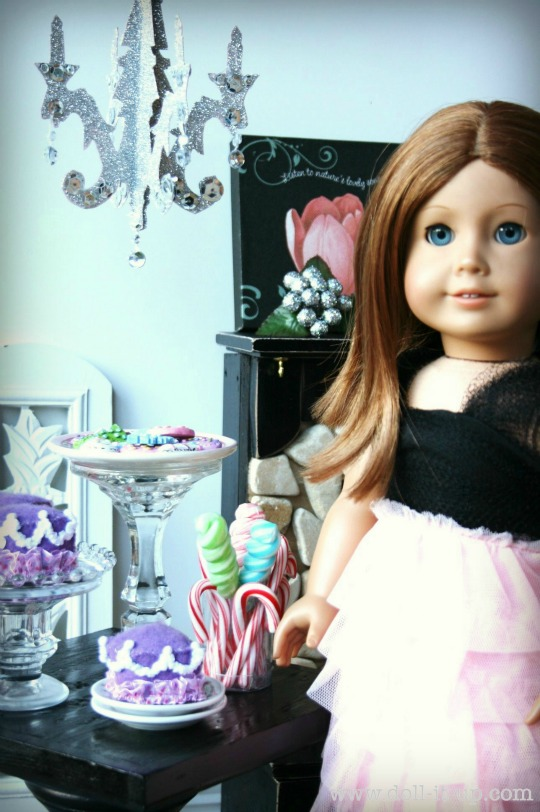 12-doll-chandelier